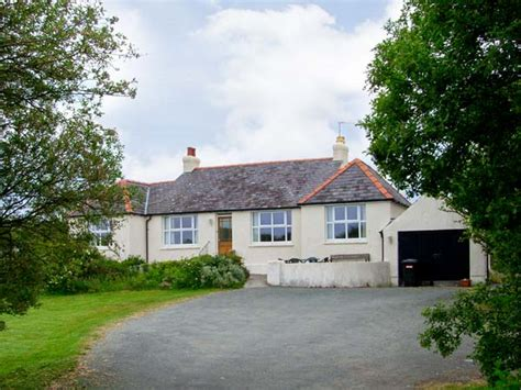 Rhosneigr Cottages by Alynfa In Rhosneigr This Semi Detached Cottage Is