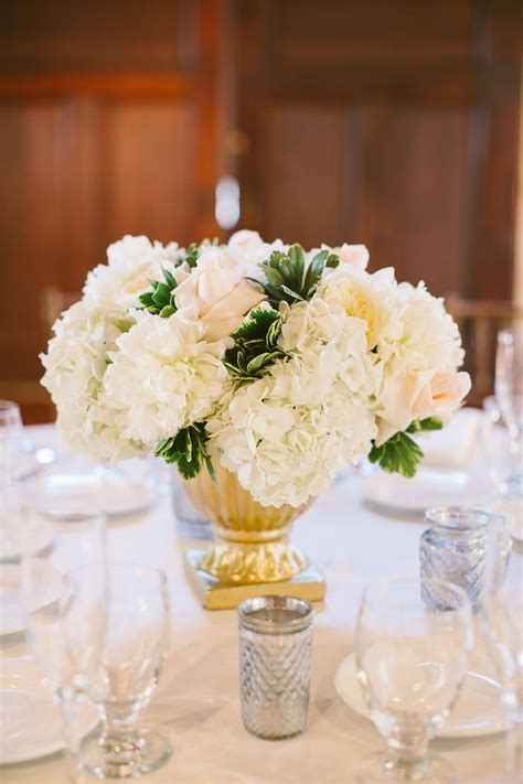 Gold Vase Wedding Centerpiece by 1000 Ideas About Gold Vase Centerpieces On