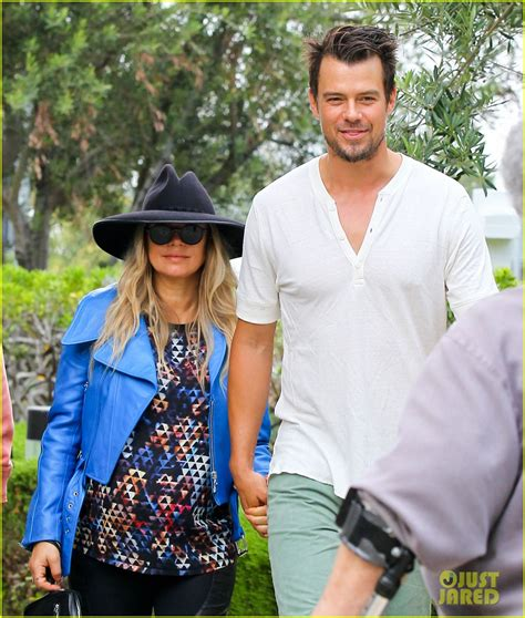Fergie And Church Show How Its Done Hollyscoop by Fergie Josh Duhamel Hold After Church Photo