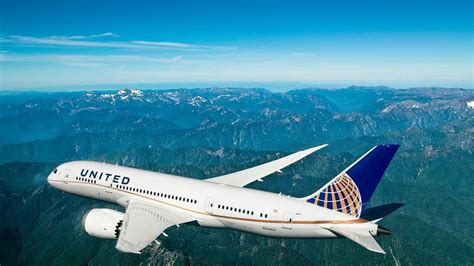 united airlines increasing routes to hawaii adding lie flat united airlines adding 11 flights to hawaii making it the