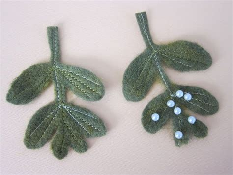 pattern for felt mistletoe pin by lisa peponara on xmas new year pinterest