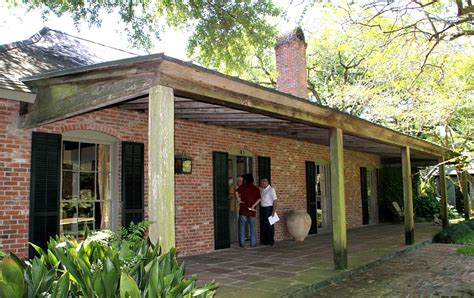 A Hays Town House Plans A Hays Town S Baton Home Visited By Architect