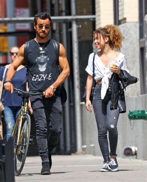 justin theroux erika cardenas justin theroux steps out with model erika cardenas
