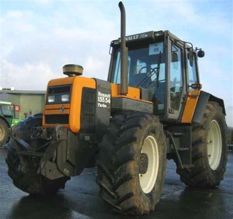 1409559998 les tracteurs complete la avis 155 54tz de la marque renault tracteurs agricoles