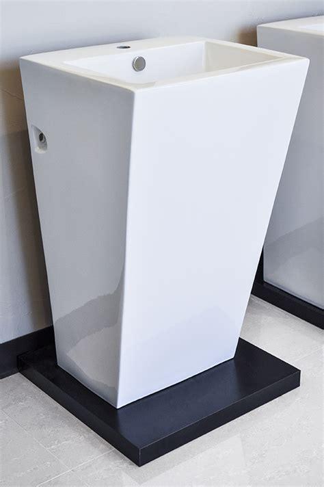 Modern Pedestal Bathroom Sinks Modern Pedestal Sink Cesaro