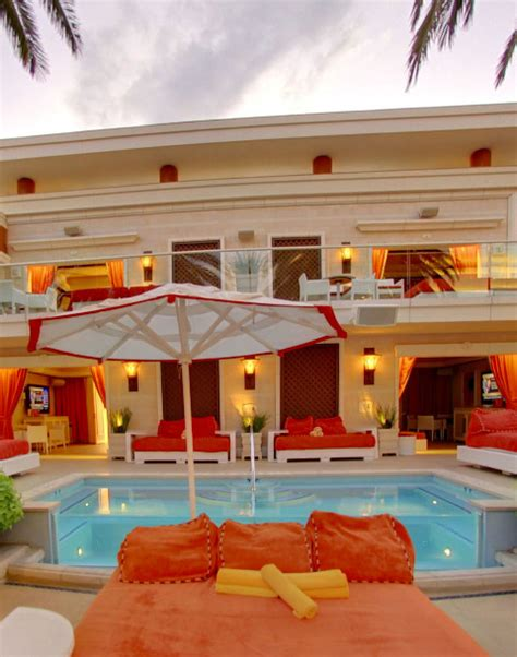 beach couch encore beach club encore beach club couch no cover nightclubs