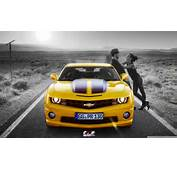 Camaro Car Wallpaper Couple Romance With Yellow Sports