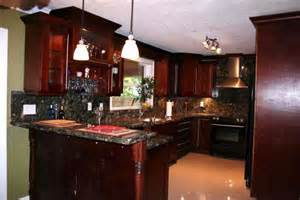 cherry kitchen cabinets cherry kitchen cabinets