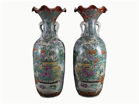 immagini vasi coppia di antichi vasi giapponesi kutani in porcellana