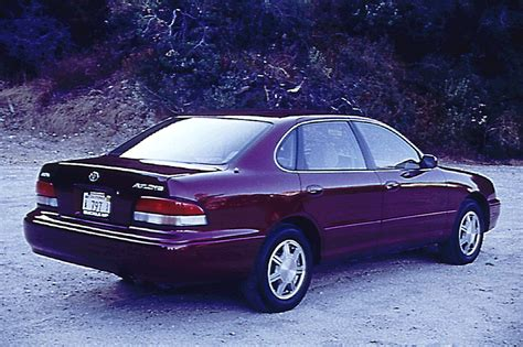1995 toyota avalon interior 1995 99 toyota avalon consumer guide auto