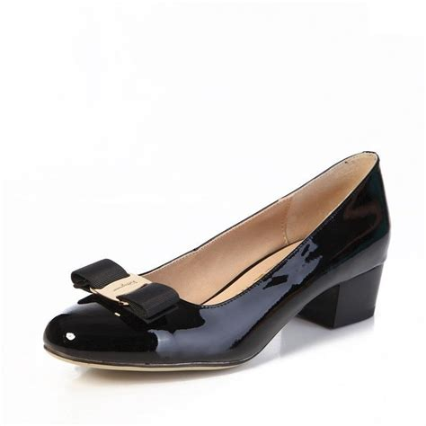 ferragamo shoes salvatore ferragamo vara bow patent black
