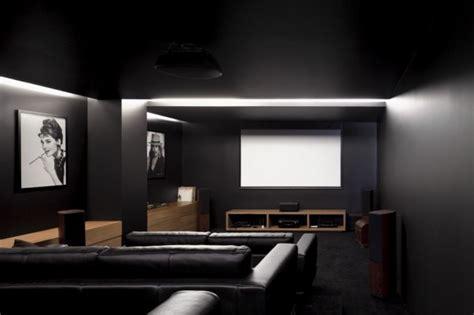 Home Theater Design Tips Mistakes Maison Contemporaine 224 Proximit 233 D Un Terrain De Golf