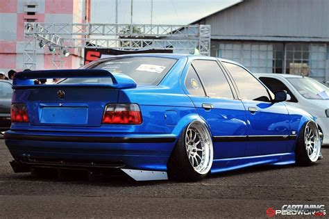 bmw e36 stanced stance bmw 328i e36 rear