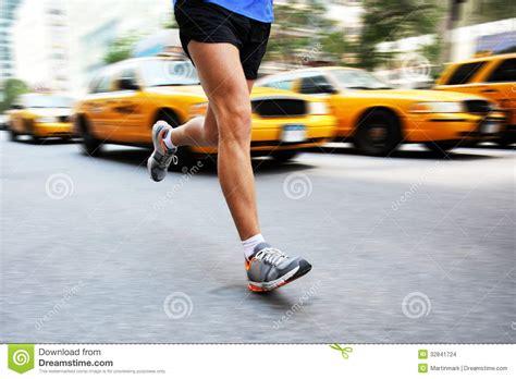 Is 2d Blind Running In New York City Man City Runner Stock Images