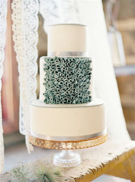 Wedding Cake Traditions by Wedding Traditions Why Save The Wedding Cake