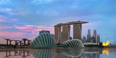 singapore named lonely planets top country  visit