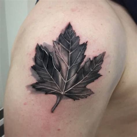 maple leaf tattoo designs maple leaf black and white theleaf co