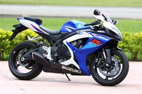 Moto Suzuki 1000cc Suzuki Gsx R 750 Corpo De 1000cc E Maneabilidade De Uma