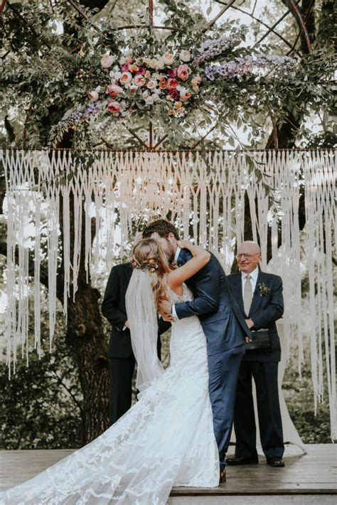 Wedding Vow Backdrop by 10 Beautiful Wedding Backdrops Intimate Weddings Small