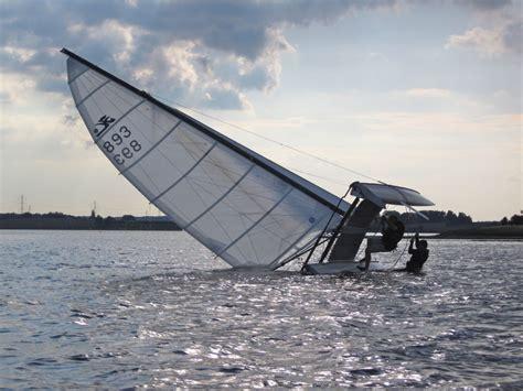 catamaran free meaning file rejsning af kaentret hobie cat jpg wikimedia commons