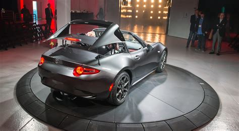 mazda cars australia mazda mx 5 rf hardtop revealed in new york photos 1 of 34