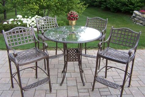6 Easy Ways of Removing Rust From Metal Furniture