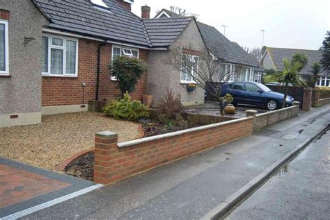 Front Garden Wall Ideas Beautiful Front Garden Wall Ideas Front Garden Design Stock Brick Wall And Rail