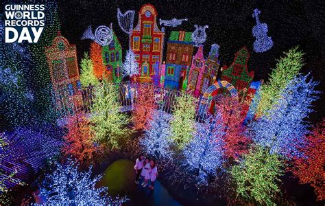 largest christmas lights displays photos universal studios singapore unveils world s largest indoor light display for gwrday guinness
