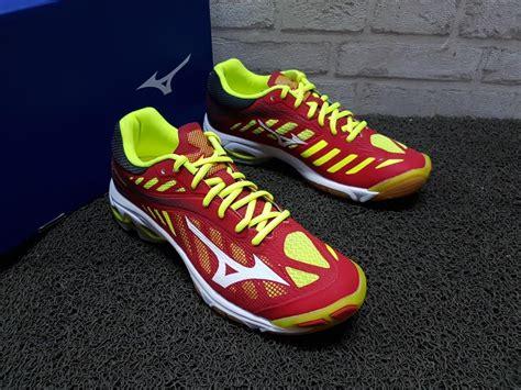 Sepatu Futsal Mizuno Kw 1 Kode Mizuno 32 sepatu volly mizuno wave lightning z4 yellow v1ga 180001 chexos futsal chexos futsal