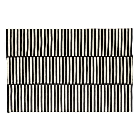 black and white stripe outdoor rug black and white stripe outdoor rug colonial mills tr