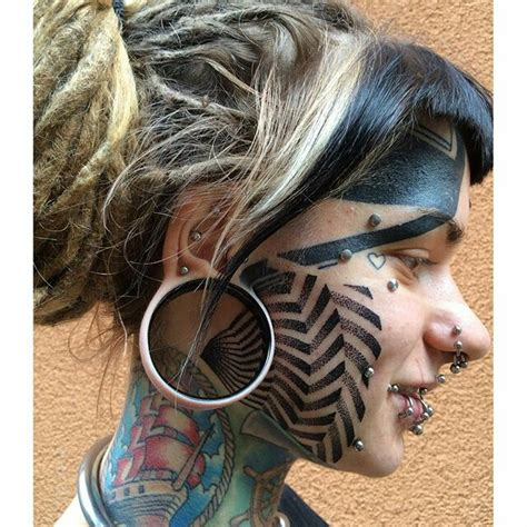 extreme blackwork tattoo 150 besten liu bilder auf pinterest piercings