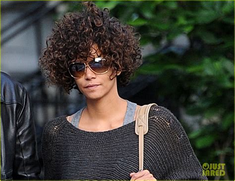 Revealed The Picture That Sparked Halle Berrys Anti Semitic Controversy by Halle Berry Style Tips Revealed Halle Berry Photo