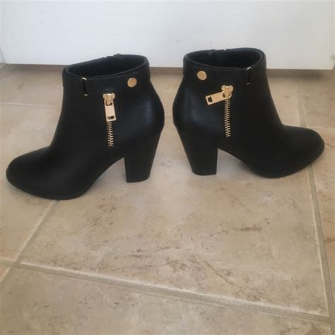 apt 9 boots 57 apt 9 shoes apt 9 black booties size 6 5 from