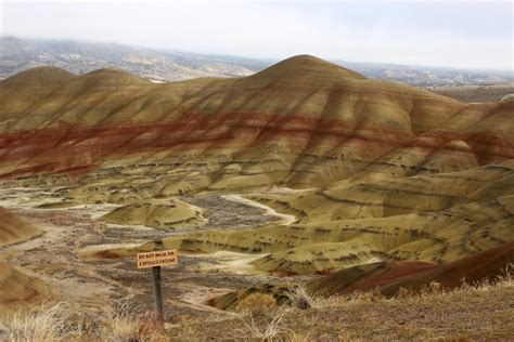 john day fossil beds hiking at the painted hills unit of the john day fossil beds national monument