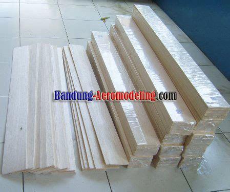 Kayu Balsa Stick 5mm X 5mm Panjang 1 Meter bandung aeromodeling aerograde aa balsa sheet 5x100x910mm