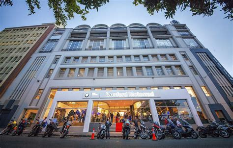 Bmw Motorrad Dealers Belgie by Bmw Motorrad Flagship Store Er 246 Ffnet In Kapstadt