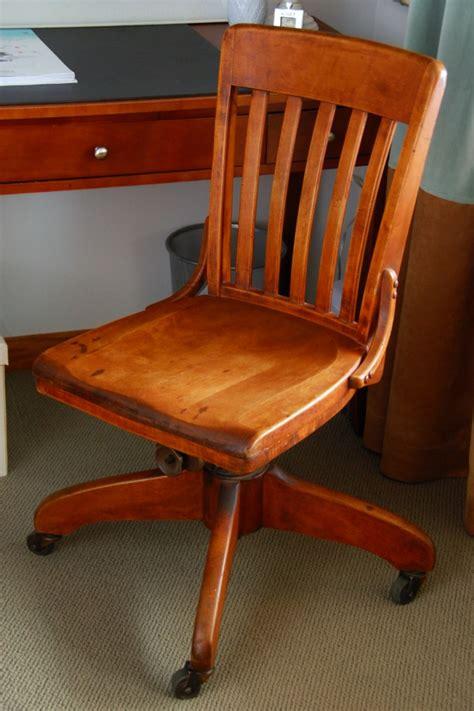 Craigslist Desk Chair by Piano Studio Makeover Bobbleheadbaby