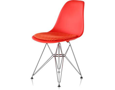 eames wire side eames 174 wire base side chair with seat pad hivemodern com