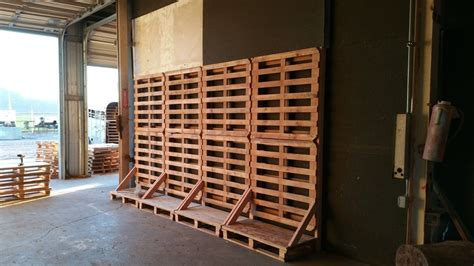 vertical lumber storage from pallets by azwoody