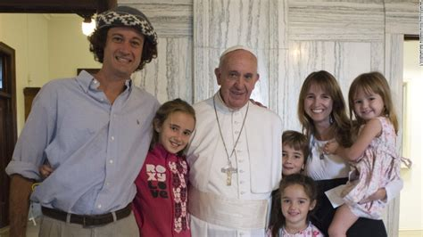 argentine family meets pope after 13 000 mile drive cnn com