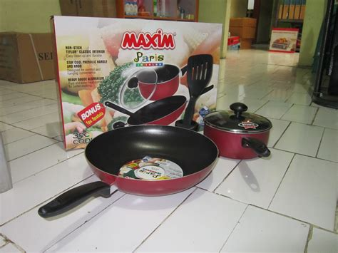 Best Quality Pan Wizhome Panci Anti Lengket Dan Tumpah cek harga maxim wajan venice set teflon merah hitam lengkap bandingkan harga dan cek