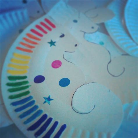 Seahorse Paper Plate Craft - decorative seahorses my kid craft