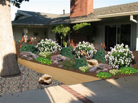 Southern Landscaping Ideas 17 Best Ideas About Southern Landscaping On Pinterest Front Porch Landscape Porches And