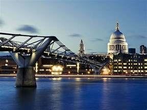 The Lighting Palace Die Millennium Bridge Jahrtausendbr 252 Cke In London