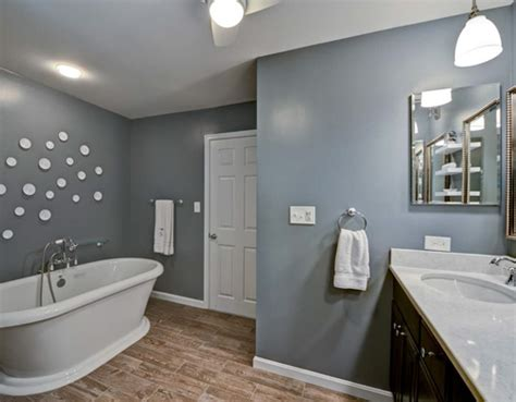 bathroom colors for 2015 hgtv home 2015 master bathroom hgtv home hgtv