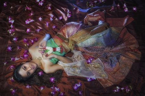 wallpaper girl thai thai traditional costume computer wallpapers desktop