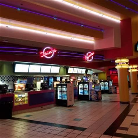 Regal Theater In Garden Grove by Regal Cinemas Garden Grove 16 121 Photos 283 Reviews