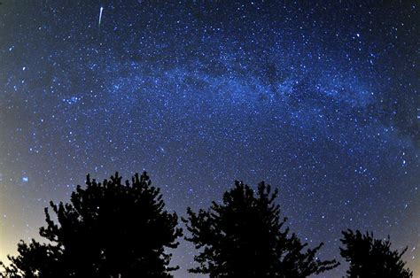 perseid meteor shower spectacular reminder of a comet