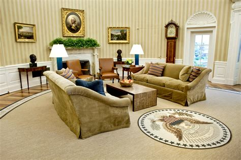obama oval office decor cote de president trump s new oval office decor