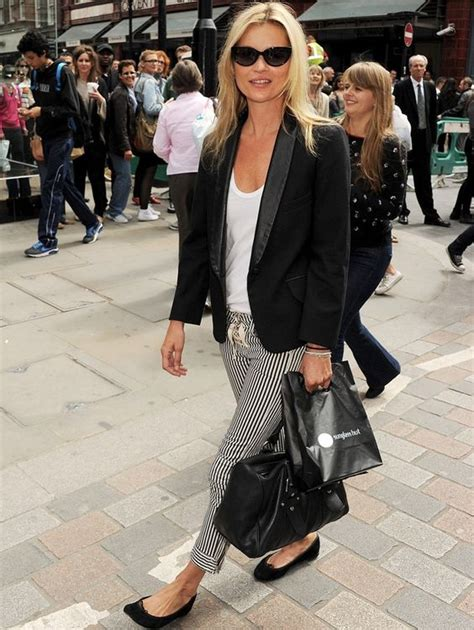 kate moss flat shoes wow kate moss wearing sole ballerina flats